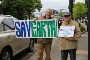 Climate activists protest Portland Business Alliance